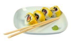 Sushi avec les oeufs brouillés Image stock
