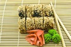 Sushi Canada Rolls avec du gingembre de Wasabi Photographie stock