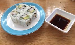 Sushi com molho de soja fotografia de stock