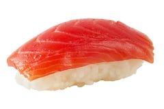 Sushi com salmões (trajeto isolado) Fotografia de Stock Royalty Free