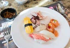 Sushi com variedade de sabor Fotografia de Stock