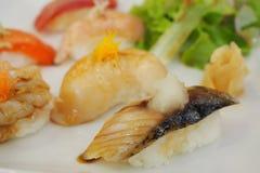 SUSHI, comida japonesa popular Fotos de archivo