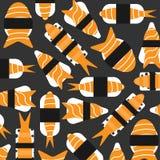 Sushi con il modello di color salmone su fondo scuro Immagine Stock