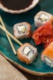 Sushi con la salsa de soja Fotos de archivo libres de regalías