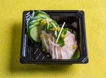 Sushi con la salsa del pepino y de soja Fotografía de archivo