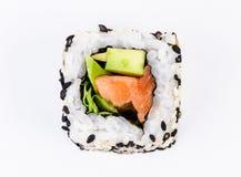 Sushi con la vista superiore dello sgombro e dell'avocado Fotografia Stock