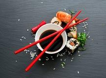 Sushi con soia Immagini Stock