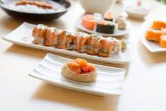Sushi d'Inari ou sac doux de tofu photographie stock