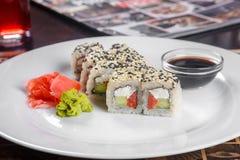 Sushi d'un plat image libre de droits