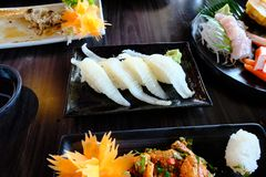 Sushi de Engawa com todo o sushi e sashimi Foto de Stock Royalty Free