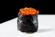 Sushi de Gunkan Ikura Fotografia de Stock Royalty Free