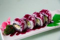 Sushi de la fresa imagenes de archivo