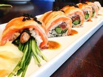 Sushi de los salmones y de la carne de vaca Imagen de archivo libre de regalías