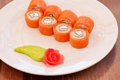 Sushi de petit pain de saumons photographie stock