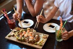 Sushi de roulement photo stock