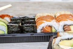 Sushi de saumons et d'avocat Photo stock
