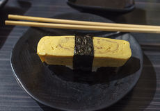 Sushi de Tamago fotografia de stock royalty free