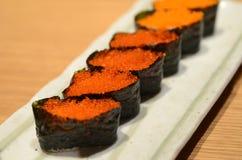Sushi de Tobiko Gunkan photos stock