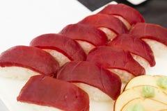Sushi del atún en la placa blanca Foto de archivo libre de regalías