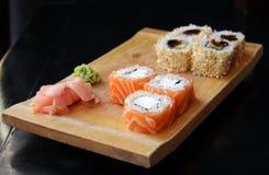 Sushi del maki de Philadelphia foto de archivo