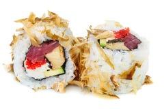 Sushi del maki de Uramaki, dos rollos aislados en blanco Foto de archivo