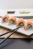 Sushi del rotolo di Filadelfia immagini stock