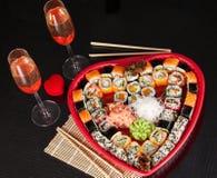 Sushi delicioso. Sushi grande fijado para pocas personas. Fotos de archivo
