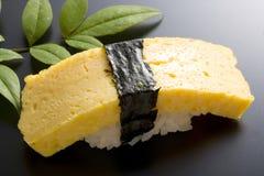 Sushi dell'uovo fotografia stock