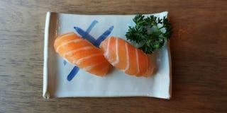 Sushi des saumons photos stock
