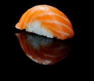 Sushi di color salmone Fotografie Stock