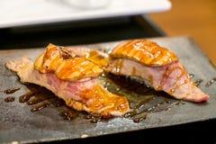 Sushi di foie gras e di Wagyu Fotografia Stock