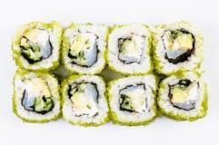 Sushi die met vissen en groene kaviaar hoogste mening worden geplaatst Stock Afbeeldingen