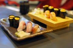 Sushi e sashimi immagini stock