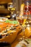 Sushi e vino Immagini Stock Libere da Diritti