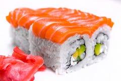Sushi eingestellt mit Lachsen Stockfoto