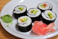 Sushi em uma placa Foto de Stock