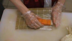 Sushi en broodjes cooking stock videobeelden