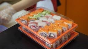 Sushi en broodjes cooking stock video
