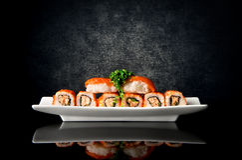 Sushi en broodjes in plaat Royalty-vrije Stock Foto