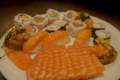 Sushi en sashimi overzees voedsel Royalty-vrije Stock Afbeeldingen