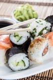 Sushi en una placa imágenes de archivo libres de regalías
