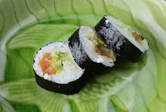 Sushi en una placa Fotos de archivo libres de regalías