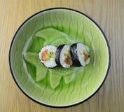 Sushi en una placa, opinión del primer Fotos de archivo