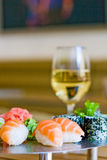 Sushi et vin Photographie stock