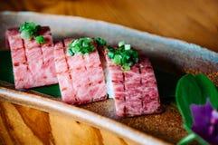 Sushi för kvalitet för Ishigaki nötköttwagyu A5 högvärdig Royaltyfri Bild