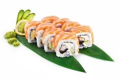 Sushi Filadelfia isolato su fondo bianco immagine stock libera da diritti