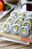 Sushi frais la Californie Rolls Photo stock