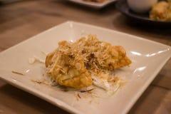 Sushi frito curruscante de la carne de vaca de la comida japonesa Fotografía de archivo