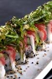 Sushi gedient auf Platte Stockbild