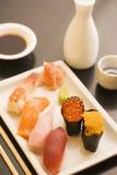 Sushi giapponesi e causa Immagini Stock Libere da Diritti